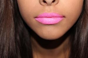 r pout lips